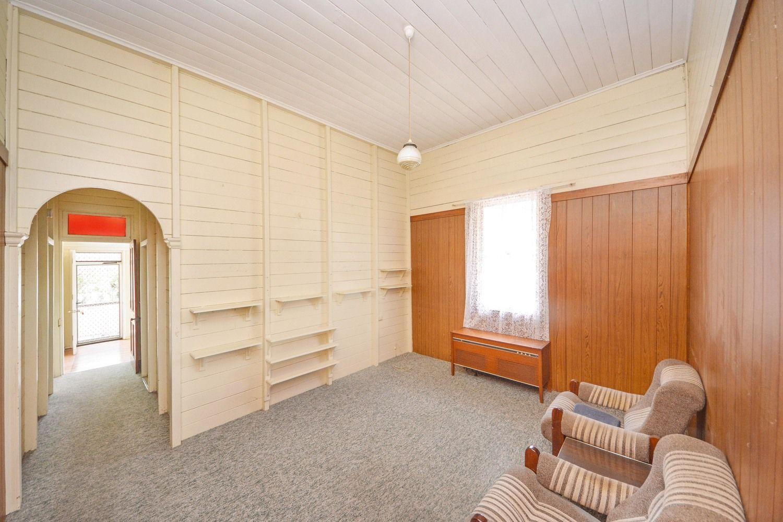 68 Painswick Street, Berserker QLD 4701, Image 2
