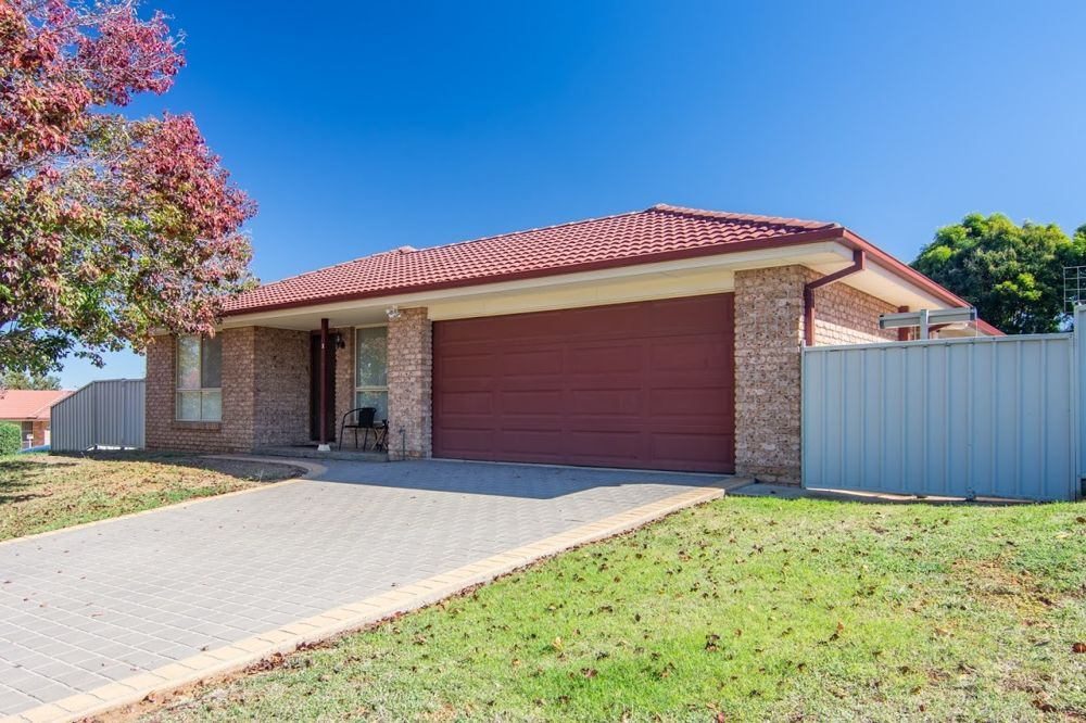 1 Fishermans Place, Oxley Vale NSW 2340