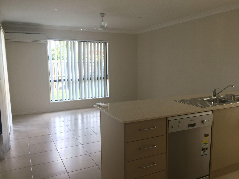 66 Denham Crescent, North Lakes QLD 4509, Image 2