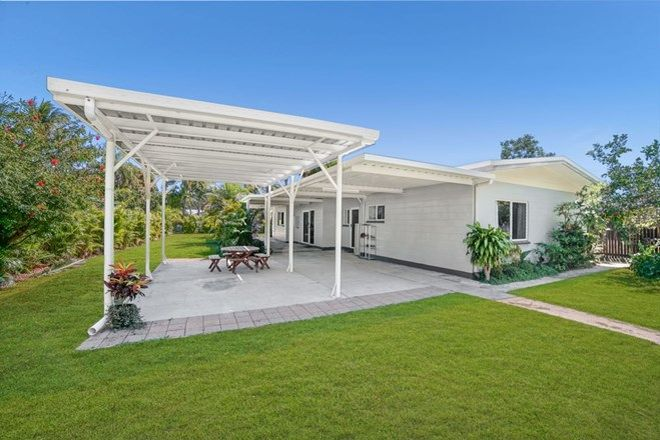 Picture of 28 Baronia Crescent, HOLLOWAYS BEACH QLD 4878