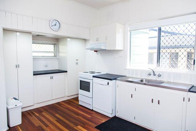 93 Miller Street, Urangan QLD 4655, Image 2