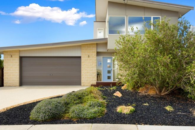 Picture of 12 Edgar Road, SAN REMO VIC 3925