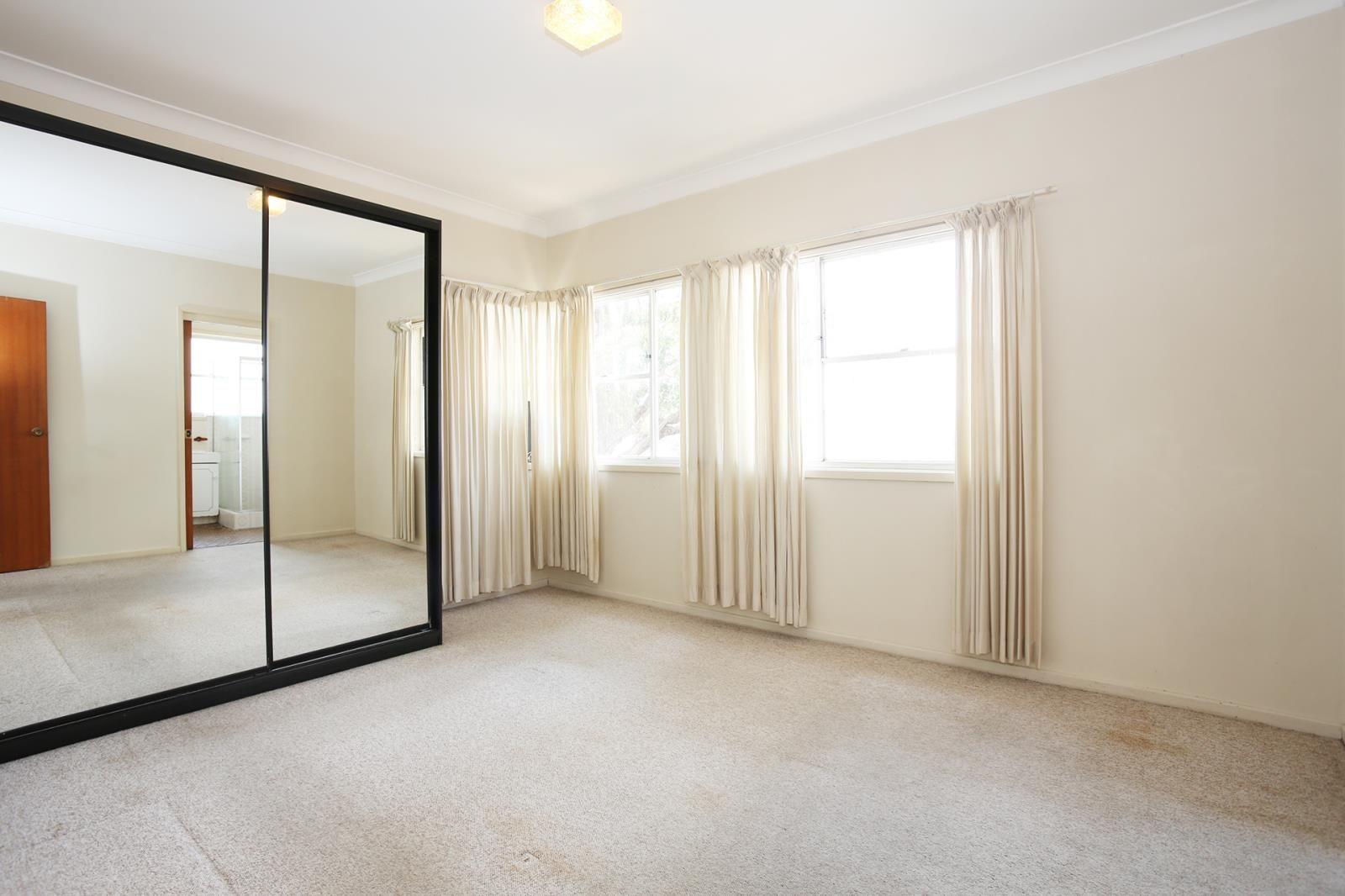 5/17 Nielsen Avenue, Carlton NSW 2218, Image 2