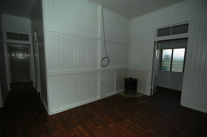 12 Goldston Street, Alpha QLD 4724, Image 2