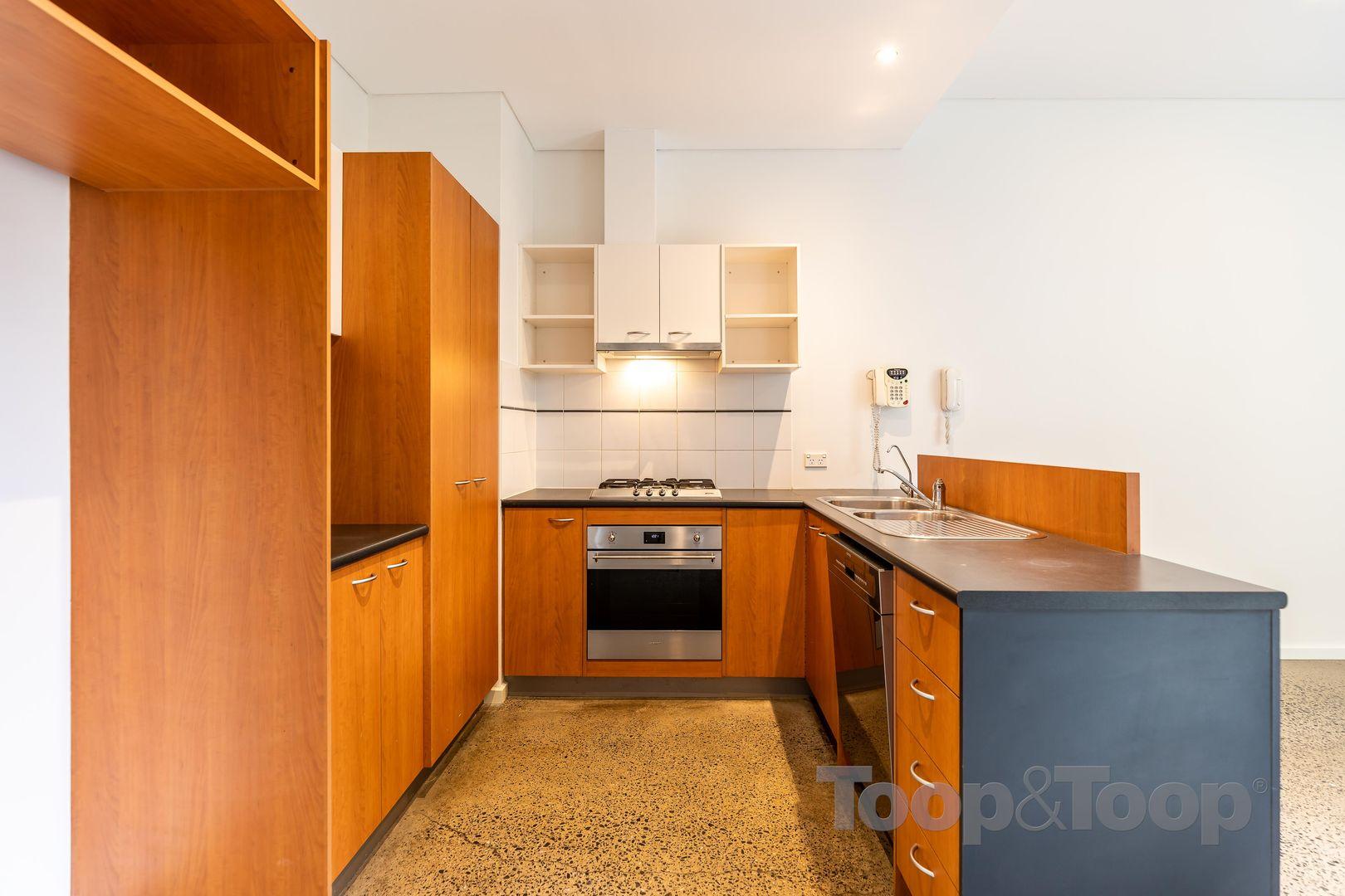 14 Sparman Close, Adelaide SA 5000, Image 2