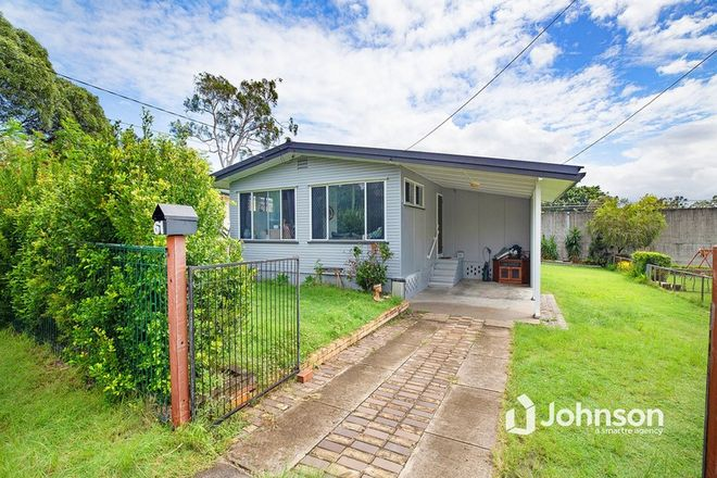 Picture of 61 Curve Avenue, WYNNUM QLD 4178