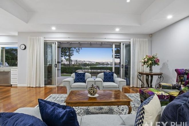 Picture of 8311 Magnolia Drive East, HOPE ISLAND QLD 4212