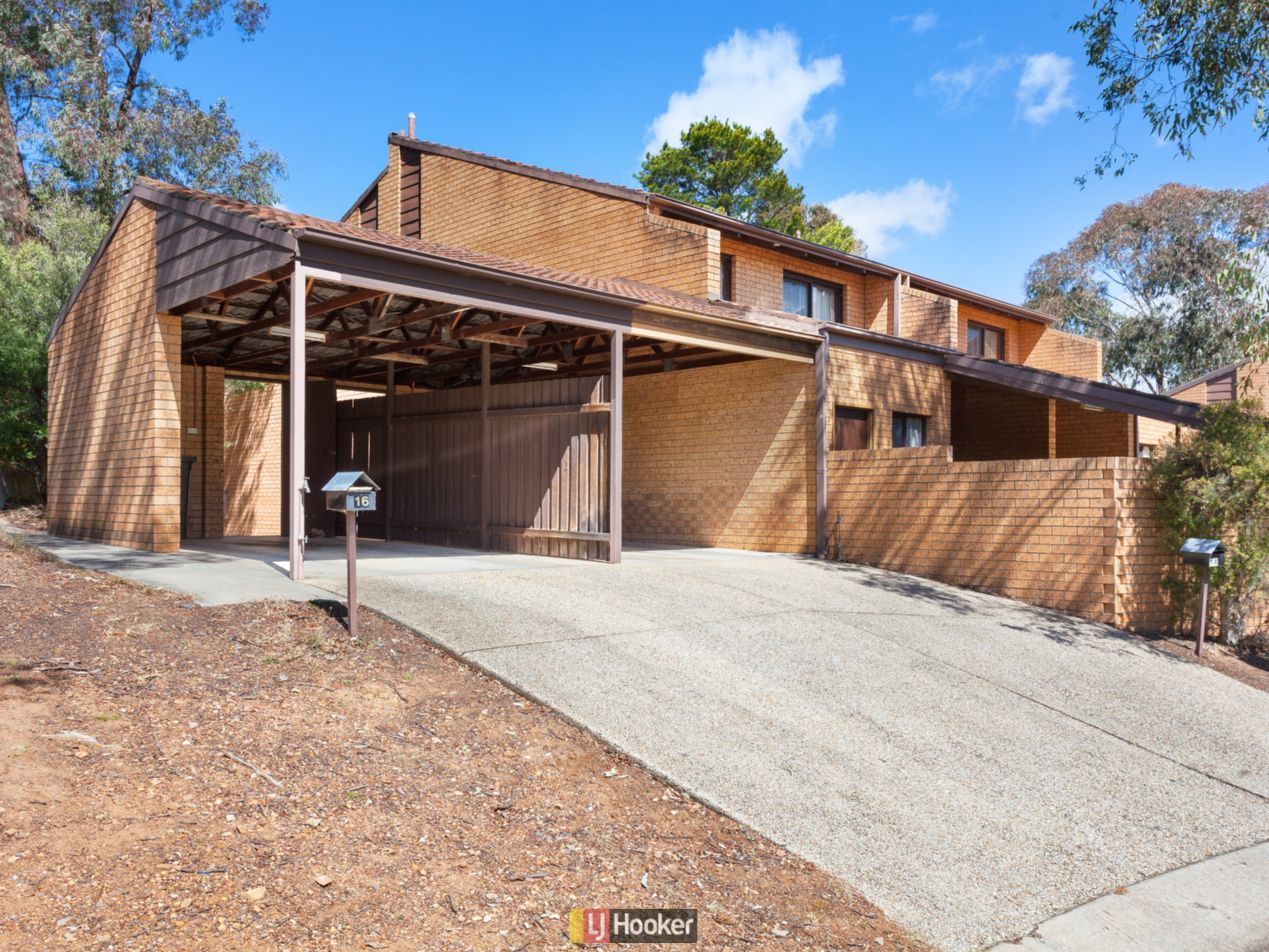 16 Thurlow Place, Belconnen ACT 2617, Image 0
