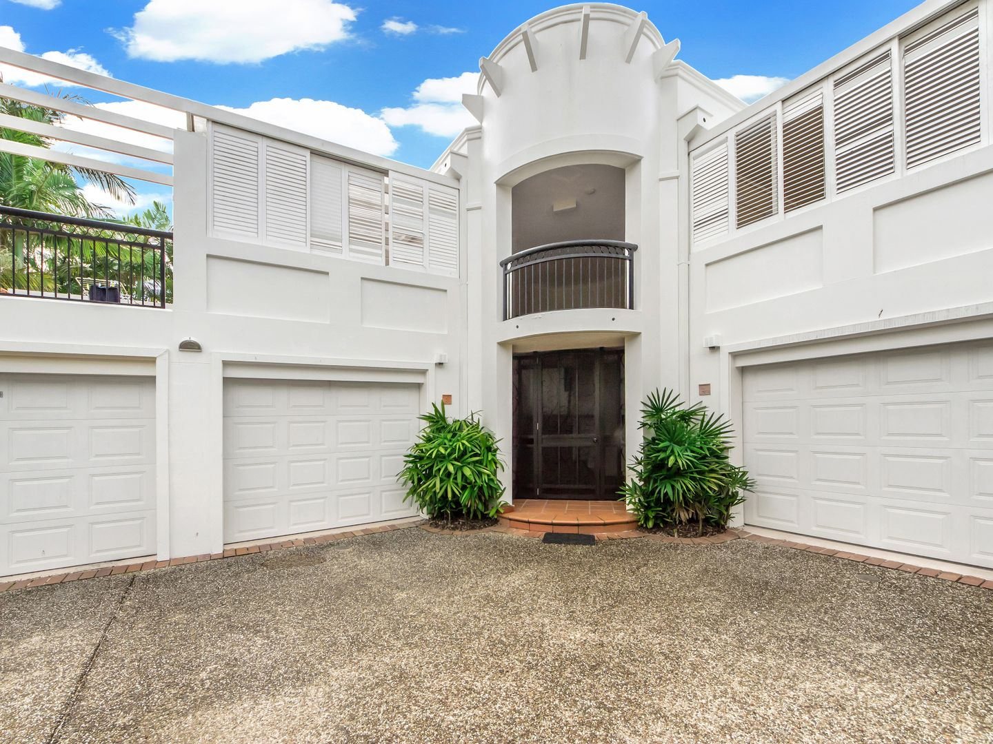 2/100 'Parkview Terrace' Cotlew Street East, Southport QLD 4215, Image 0
