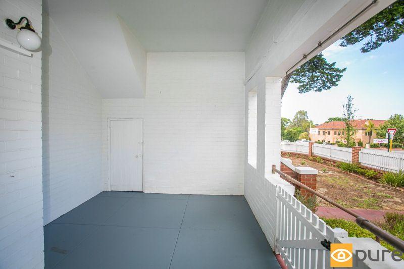 58 Kinninmont Avenue, Nedlands WA 6009, Image 2