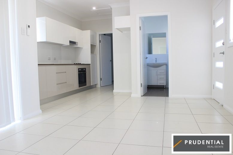 15a Sapphire Place, Eagle Vale NSW 2558, Image 2