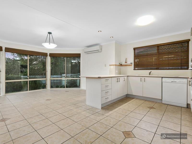 14 Sandown Court, Lawnton QLD 4501, Image 2