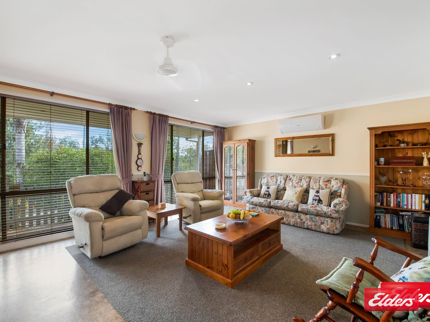 3 MOORE PL, Currans Hill NSW 2567, Image 2