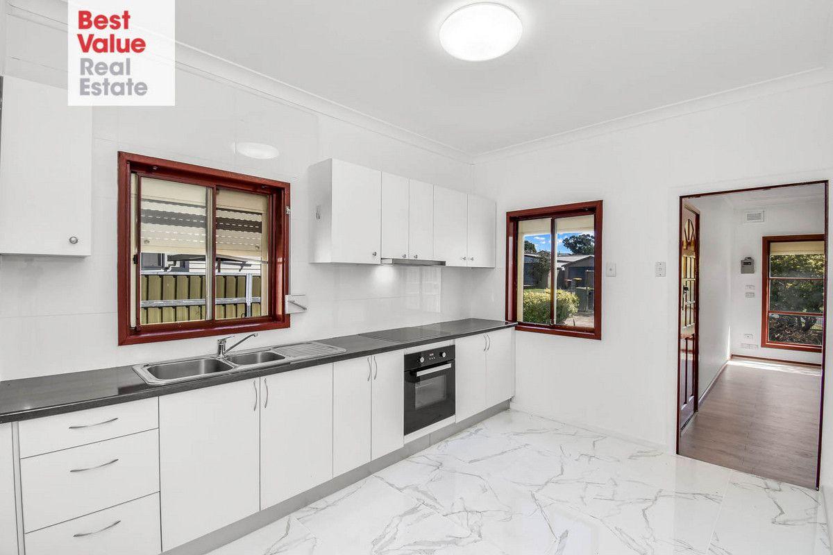 16 Tanderra Street, Colyton NSW 2760, Image 0