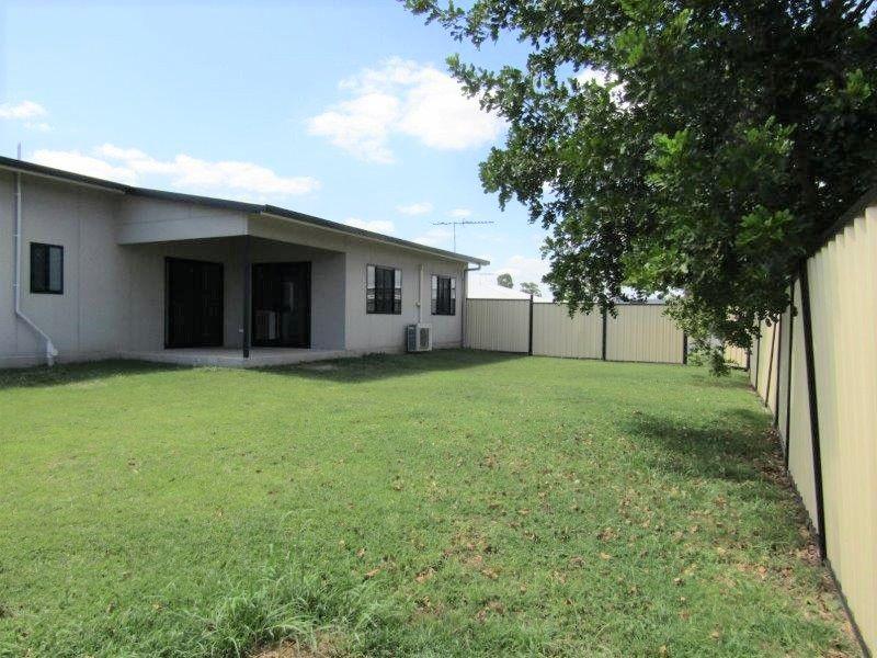 18 Deacon Drive, Blackwater QLD 4717, Image 1
