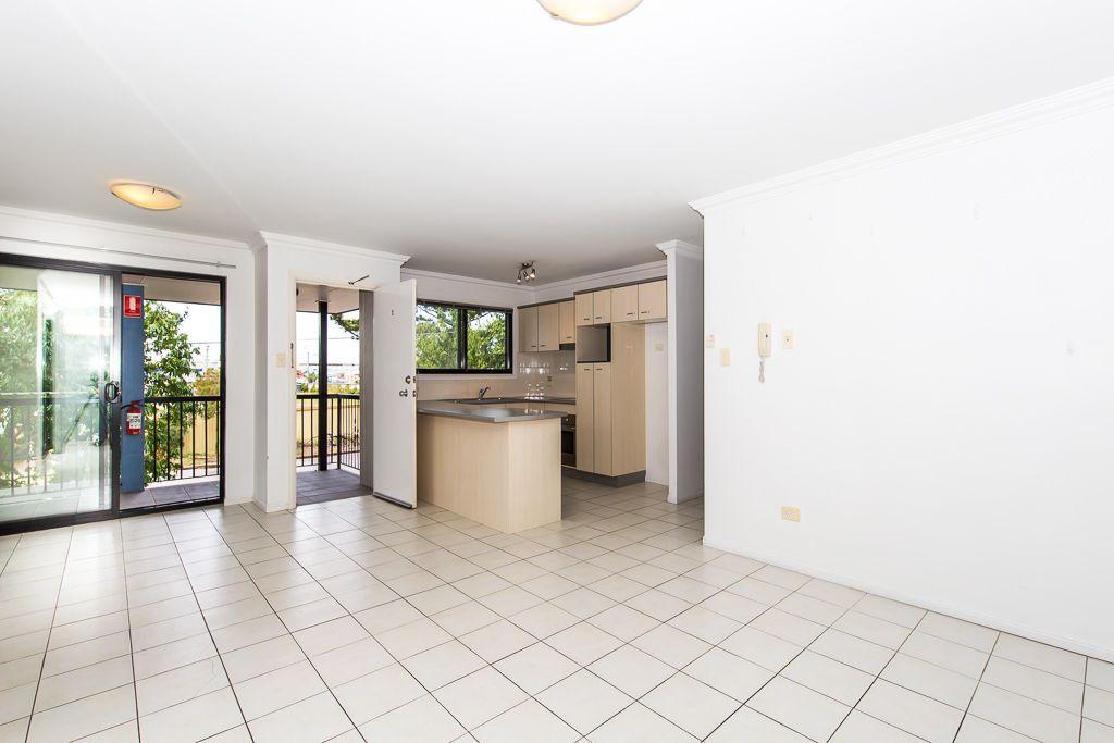 1/8 Mordant Street, Ascot QLD 4007, Image 2