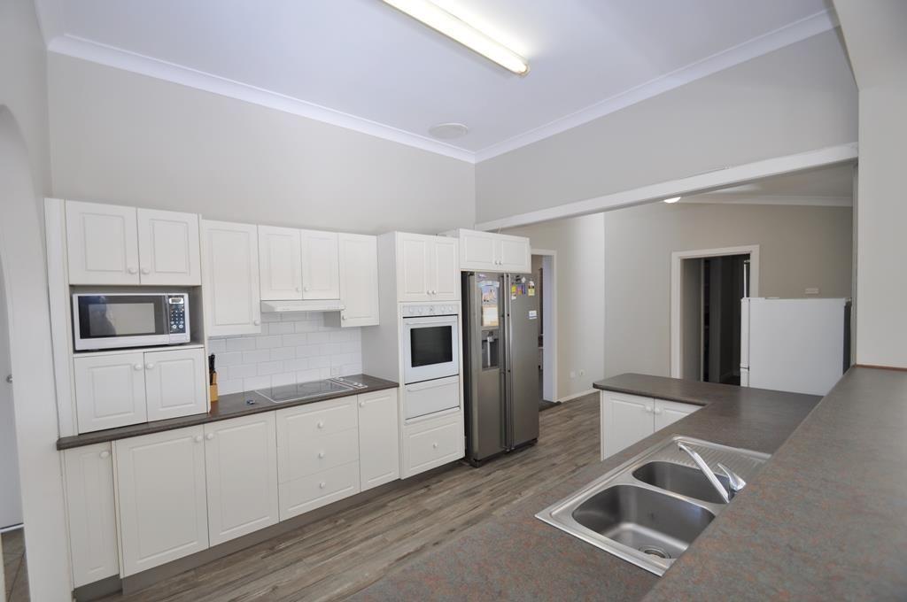 126 Wingewarra Street, Dubbo NSW 2830, Image 2