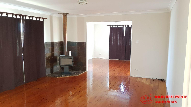 54 Hedge Street, Dalby QLD 4405, Image 2