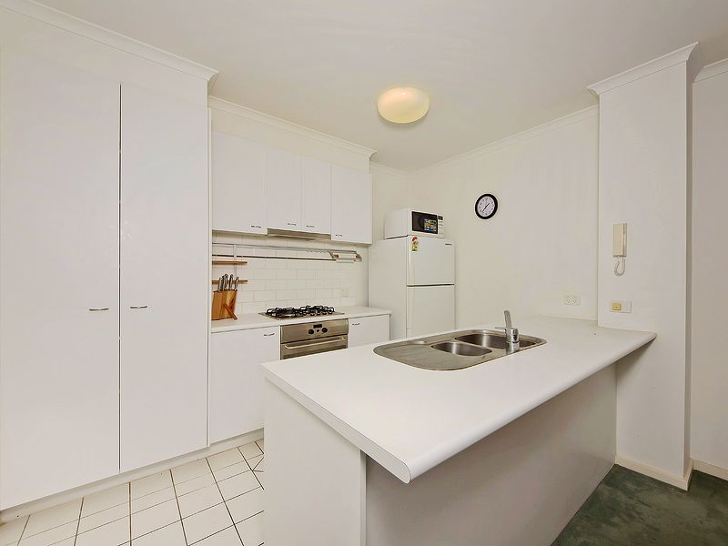 REF 061445/63 Dorcas Street, South Melbourne VIC 3205, Image 2