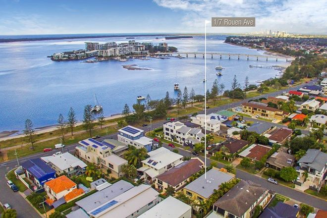 Picture of 1/7 Rouen Avenue, PARADISE POINT QLD 4216