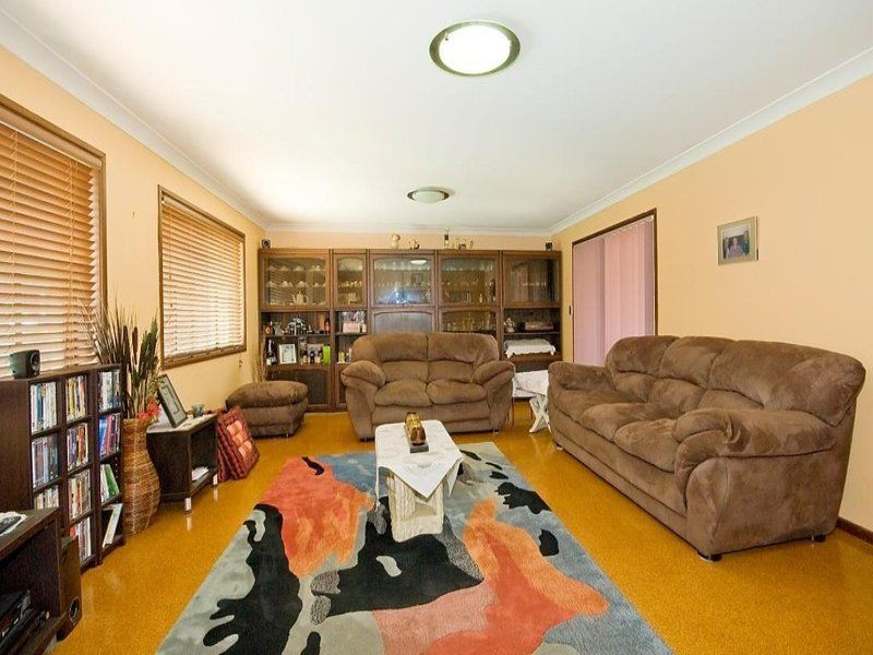 8 Gunalda Street, Underwood QLD 4119, Image 2