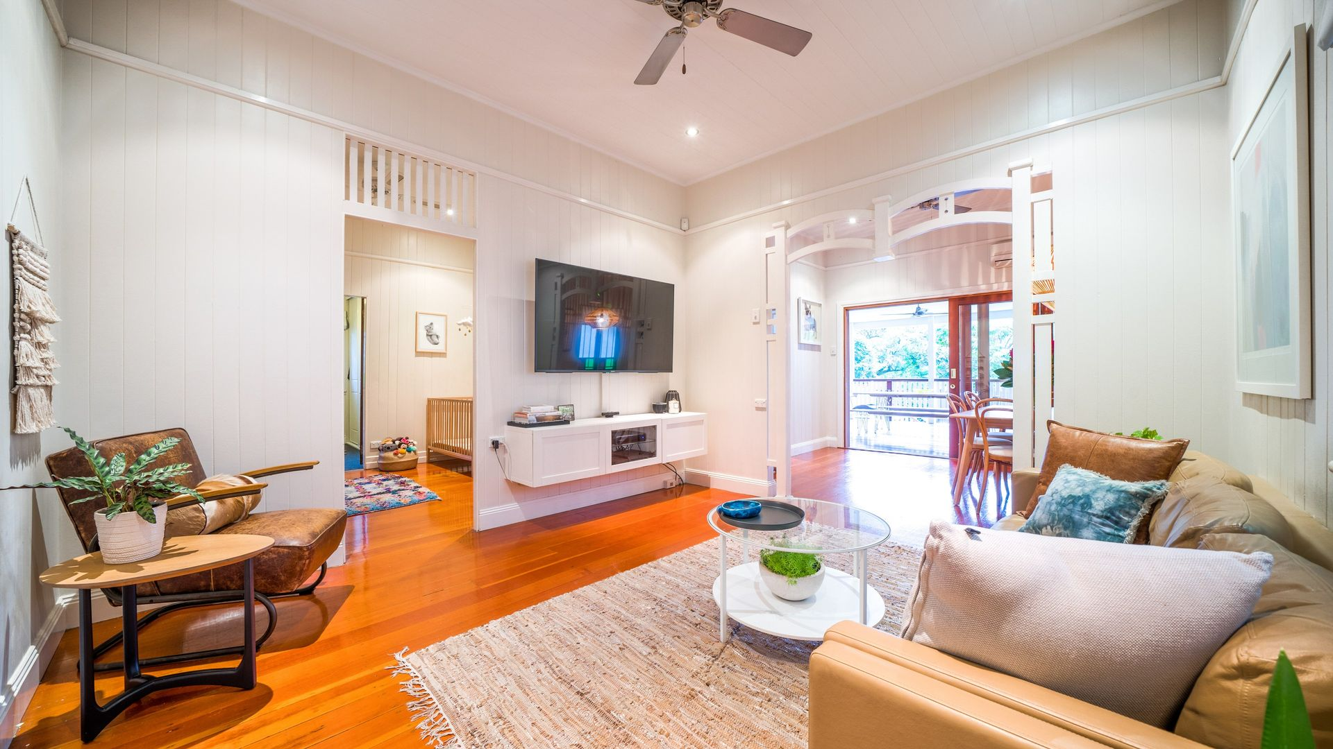 17 Burke Street, Coorparoo QLD 4151, Image 2