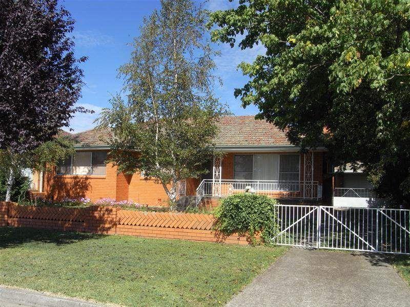 18 Macquarie Street, Glen Innes NSW 2370, Image 0