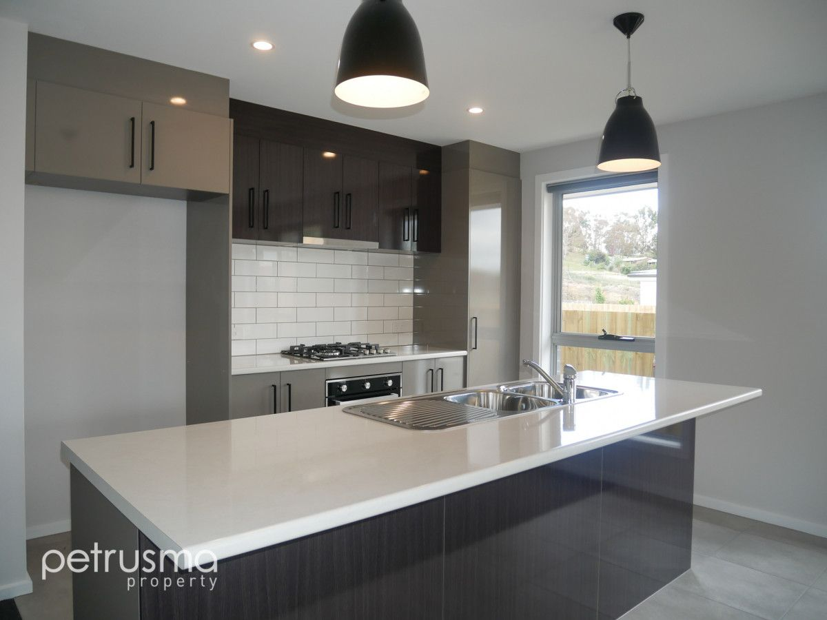 23 Dowding Crescent, New Town TAS 7008, Image 1