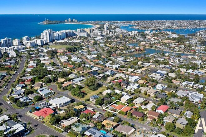 Picture of 2/9 Tombarra Street, MOOLOOLABA QLD 4557
