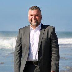 Darren Bender, Sales representative