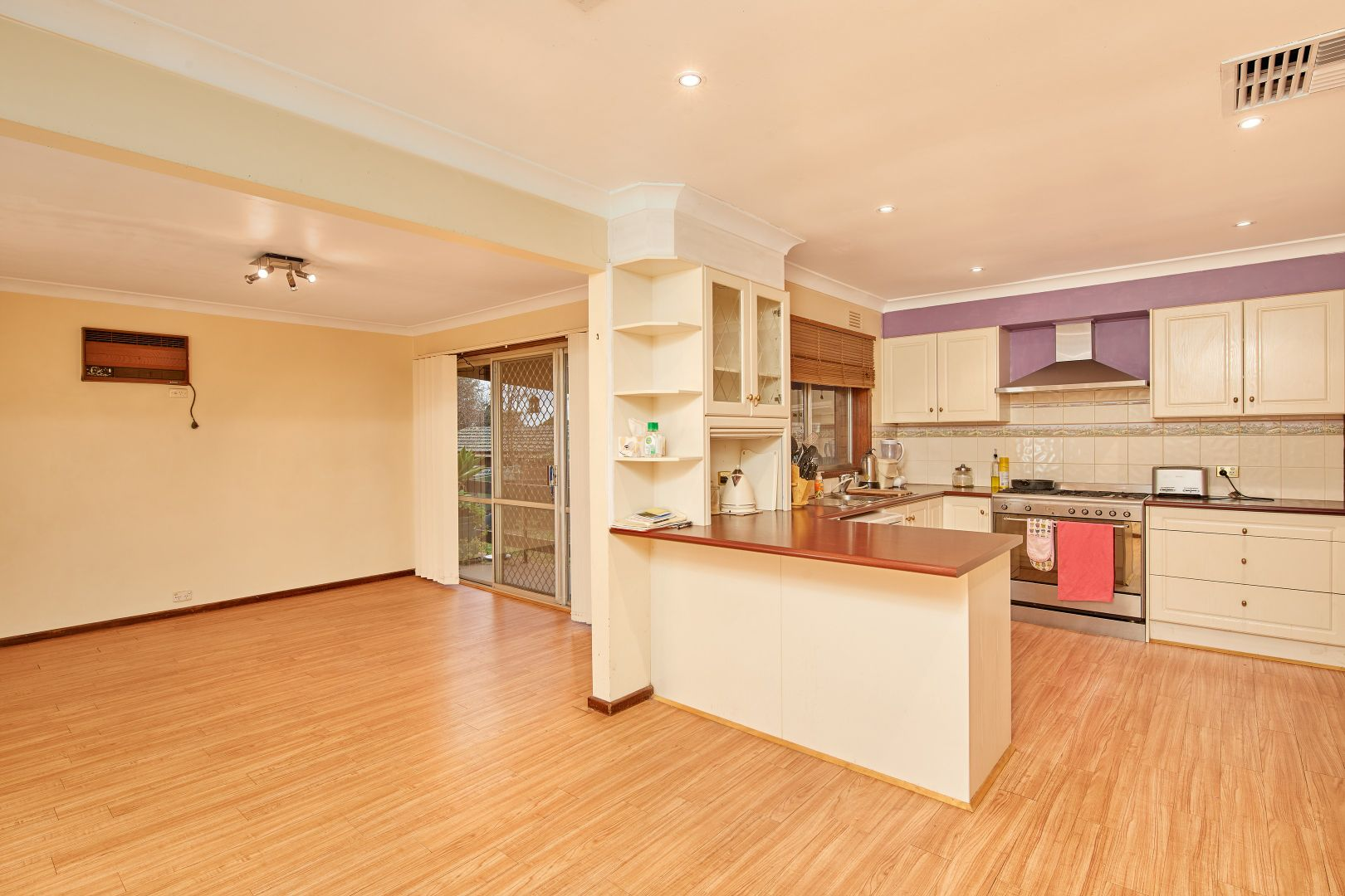 6 Malaya Drive, Tolland NSW 2650, Image 1
