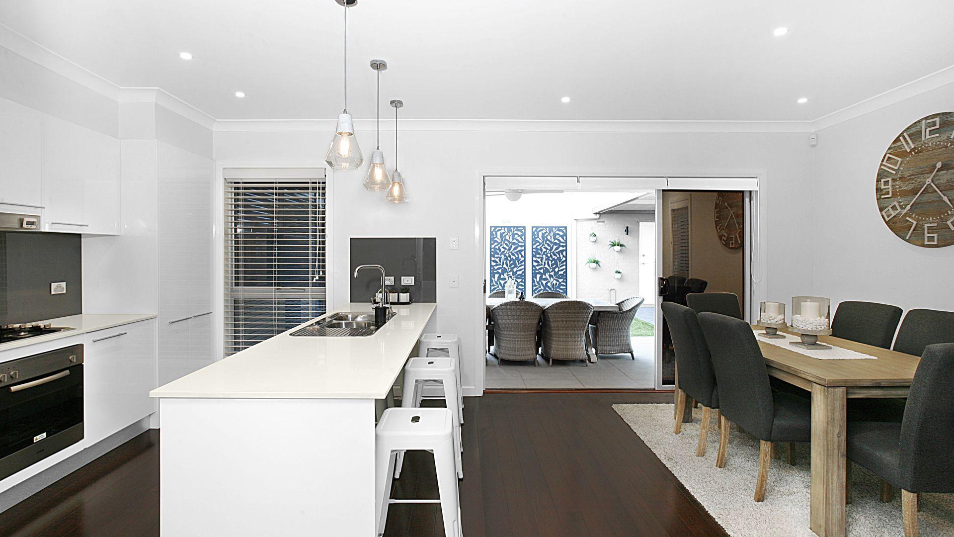 48 Truscott Avenue, Middleton Grange NSW 2171, Image 2