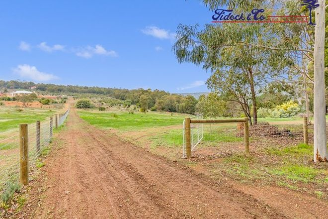 Picture of 18 Hawkstone Road, ROLEYSTONE WA 6111