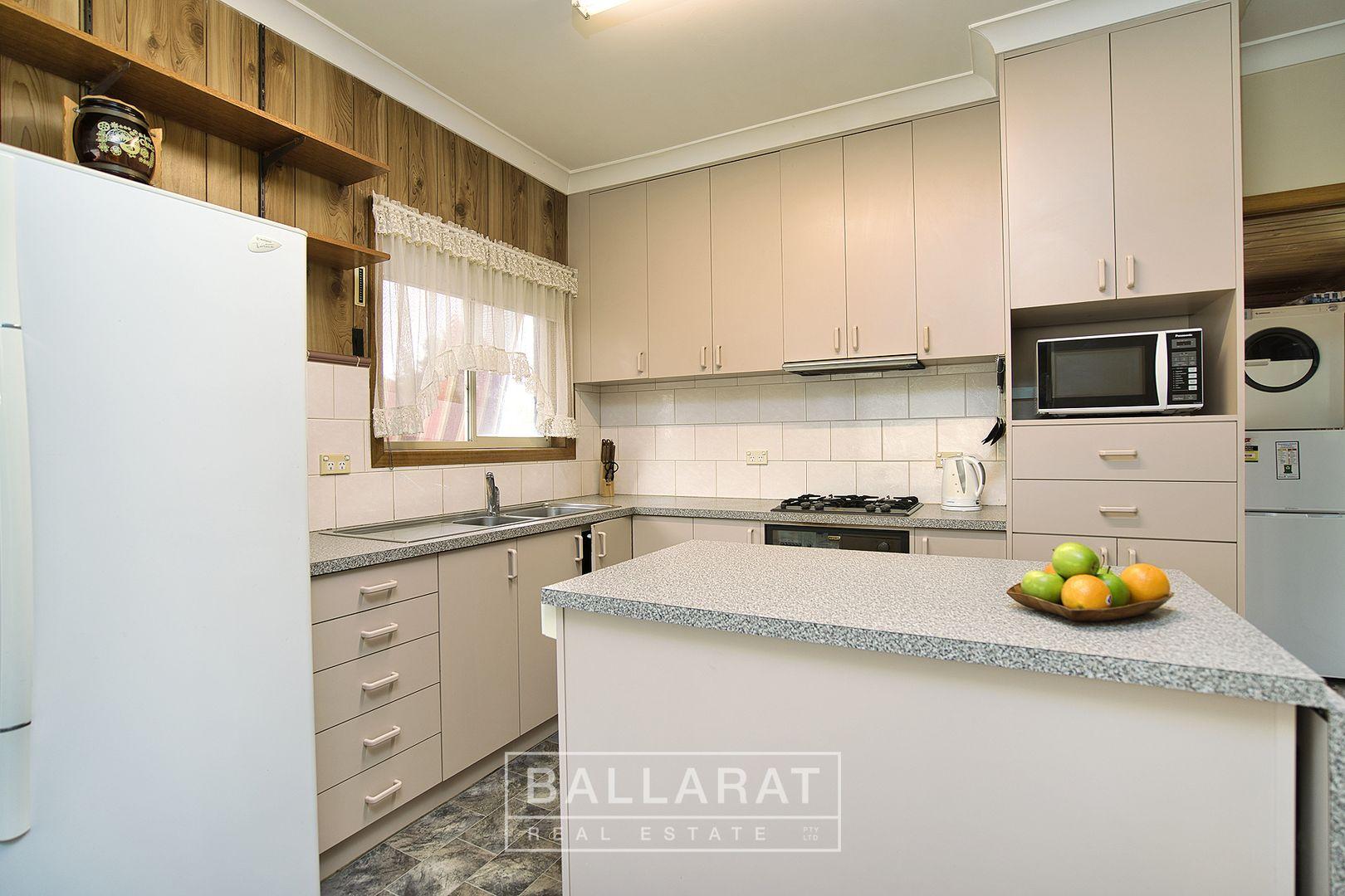 322 Richards Street, Ballarat East VIC 3350, Image 2