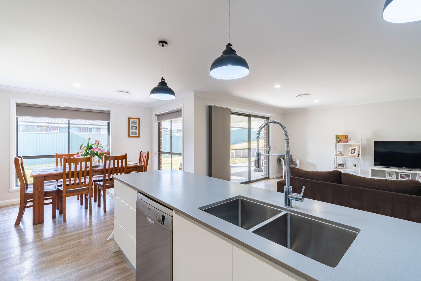 8 Barr Street, Windradyne NSW 2795, Image 1