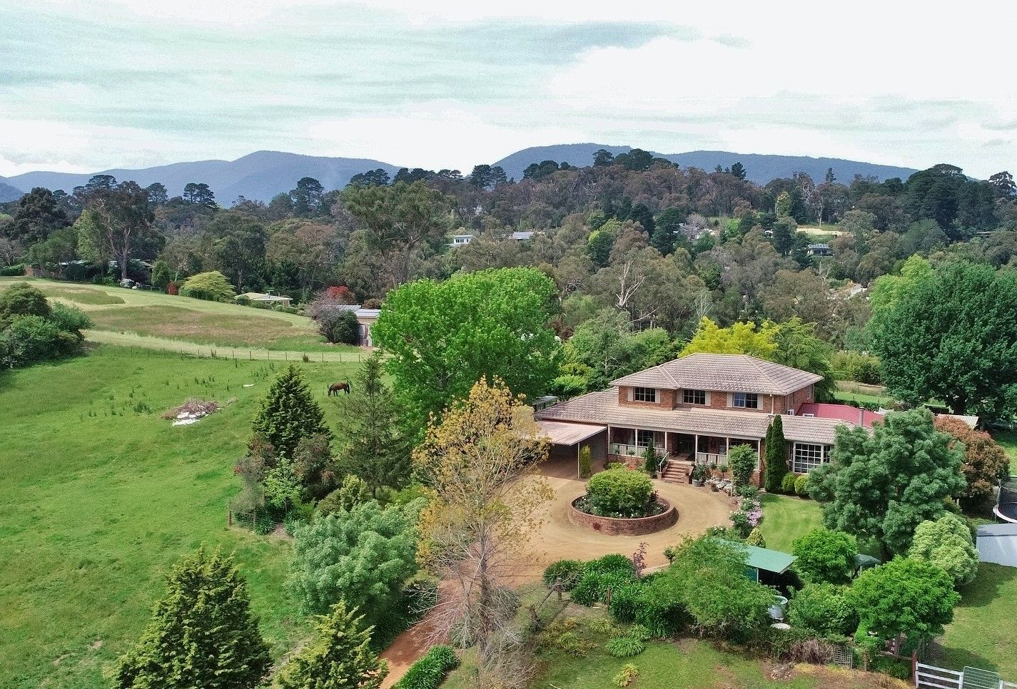 80 Airlie Road, Healesville VIC 3777, Image 2