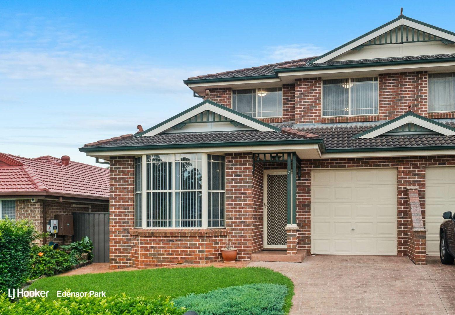 7 Kapovic Street, Edensor Park NSW 2176, Image 0