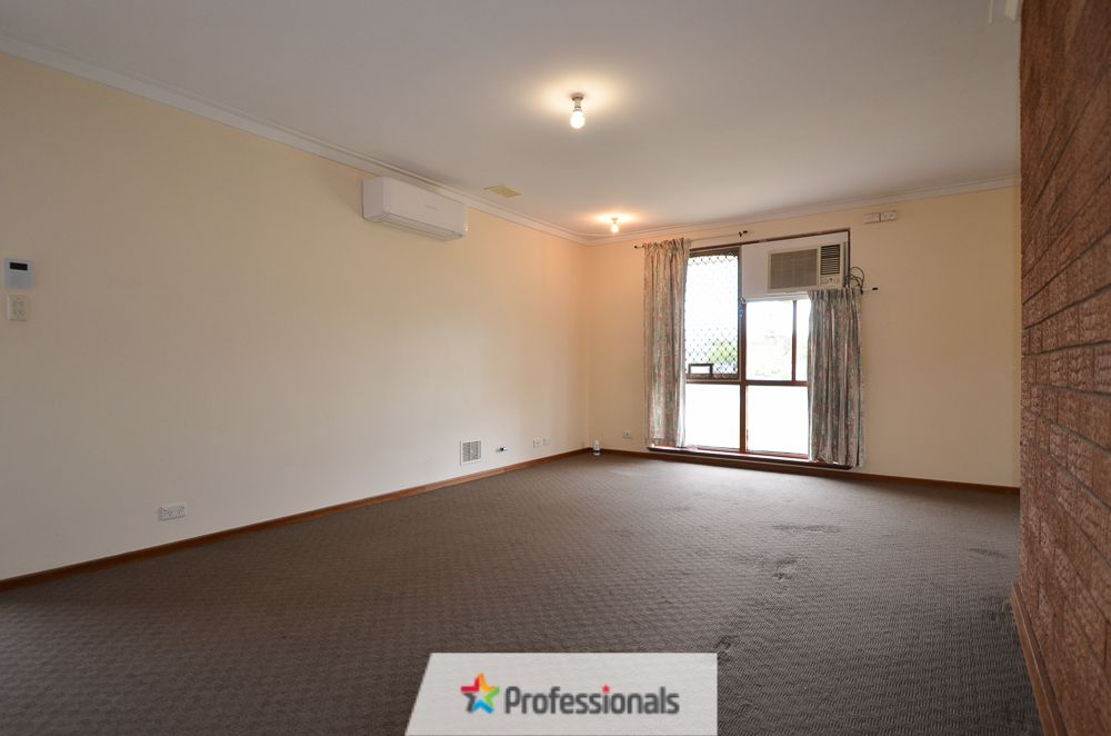 15 Clyde Place, Silver Sands WA 6210, Image 2