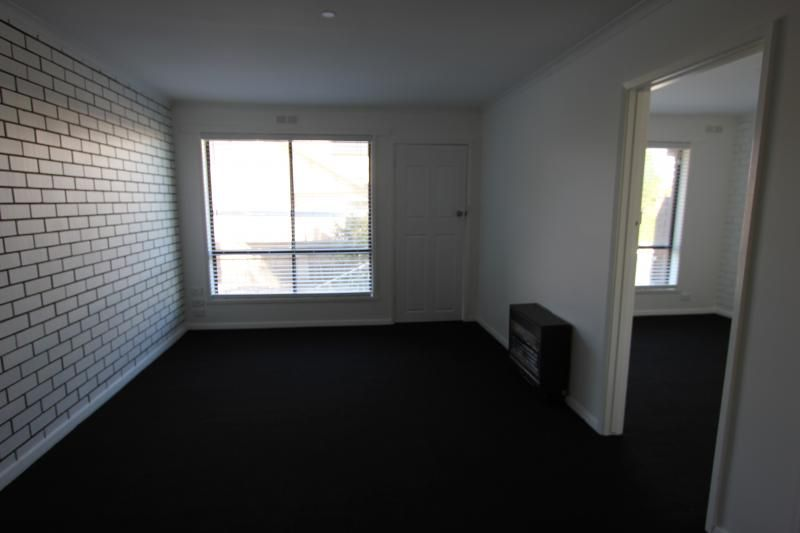 2/619 Neill Street, Soldiers Hill VIC 3350, Image 1