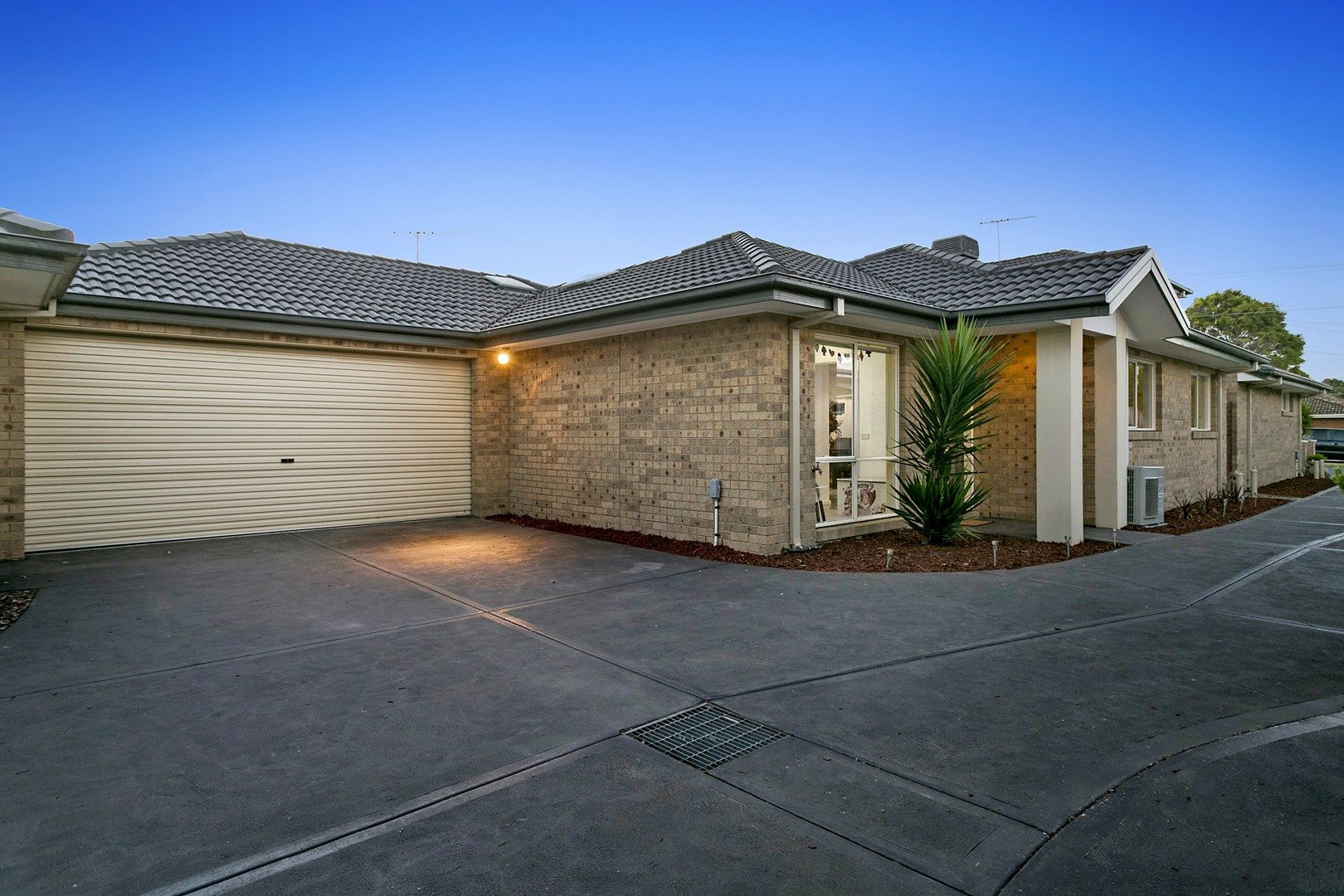 2/60 Sherwood Avenue, Chelsea VIC 3196, Image 0