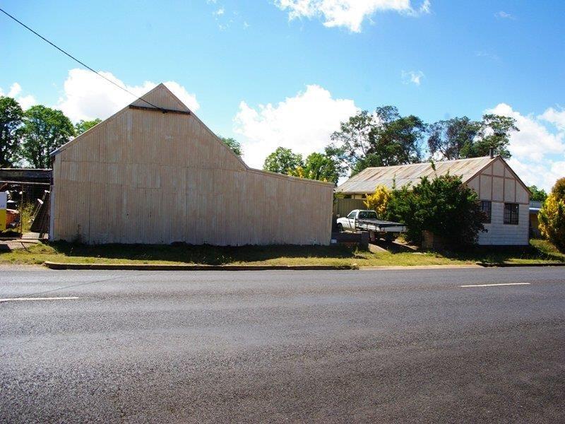 169 Bradley St, Guyra NSW 2365, Image 2
