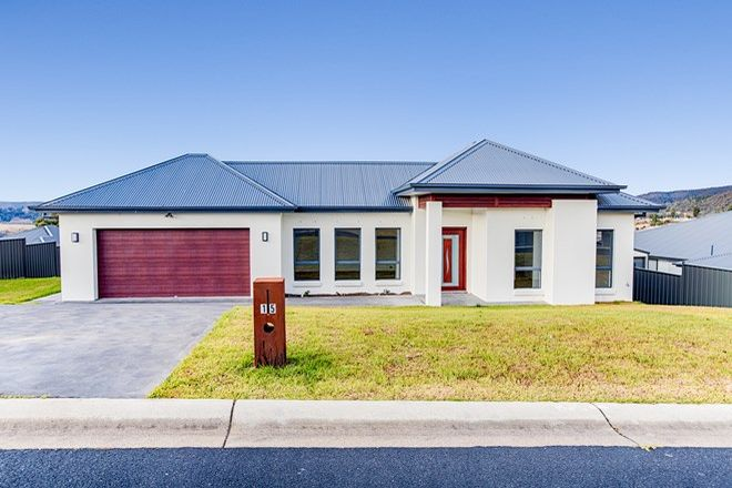 Picture of 15 Hillcrest Avenue, LITHGOW NSW 2790