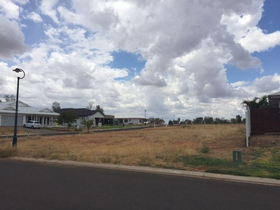 1 Jade St, Emerald QLD 4720, Image 2