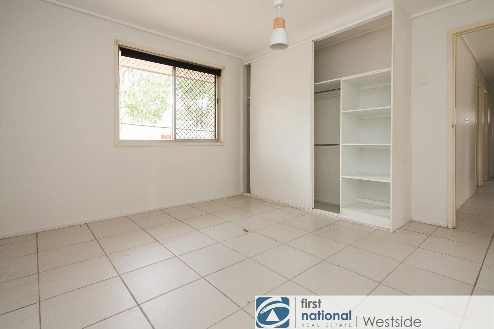 6 Reeman Court, Ellen Grove QLD 4078, Image 2