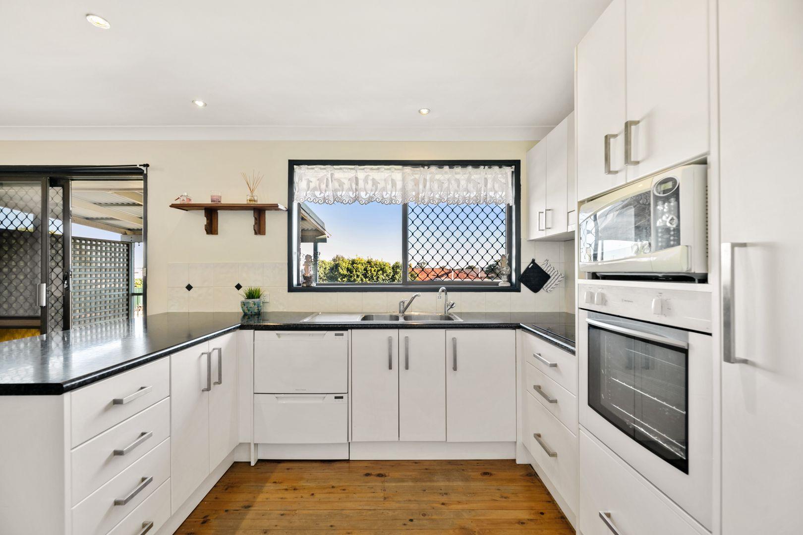 370 North Street, Wilsonton QLD 4350, Image 2