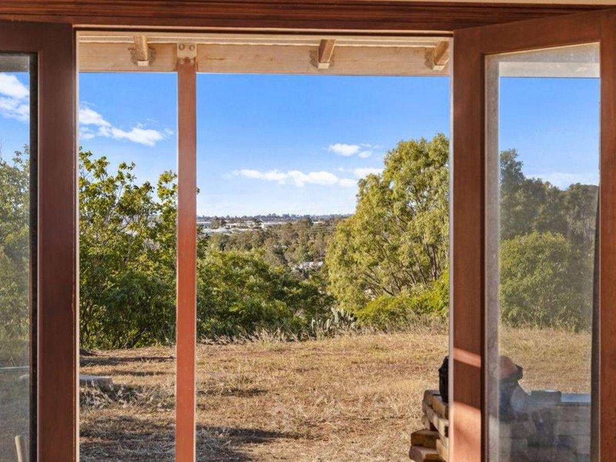14 Kookaburra Court, Glenvale QLD 4350, Image 2