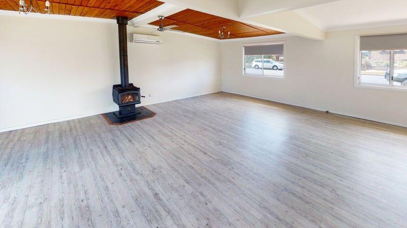 17 Ducker Street, Junee NSW 2663, Image 2