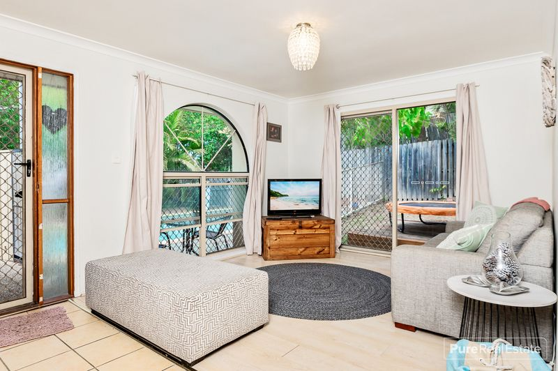 133 Pacific Pines Boulevard, Pacific Pines QLD 4211, Image 1