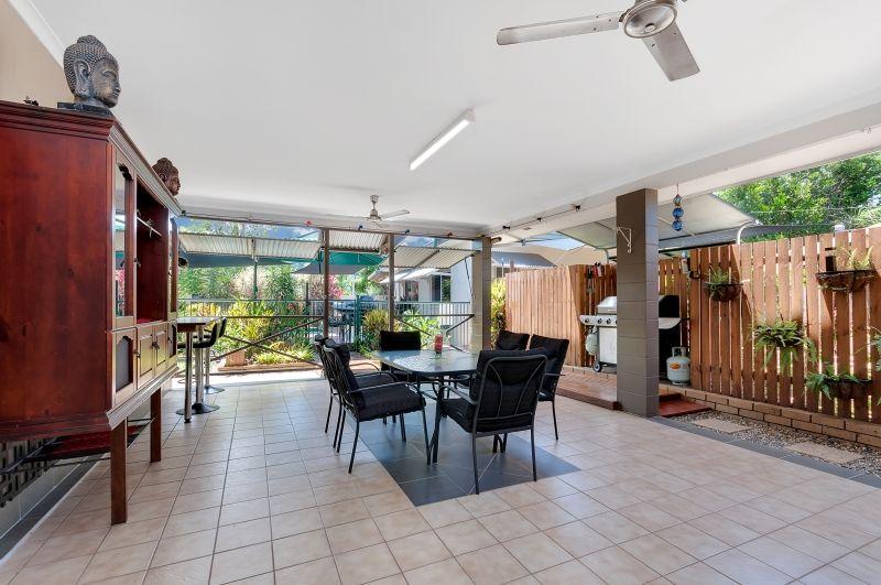 4 Keller Close, Whitfield QLD 4870, Image 2