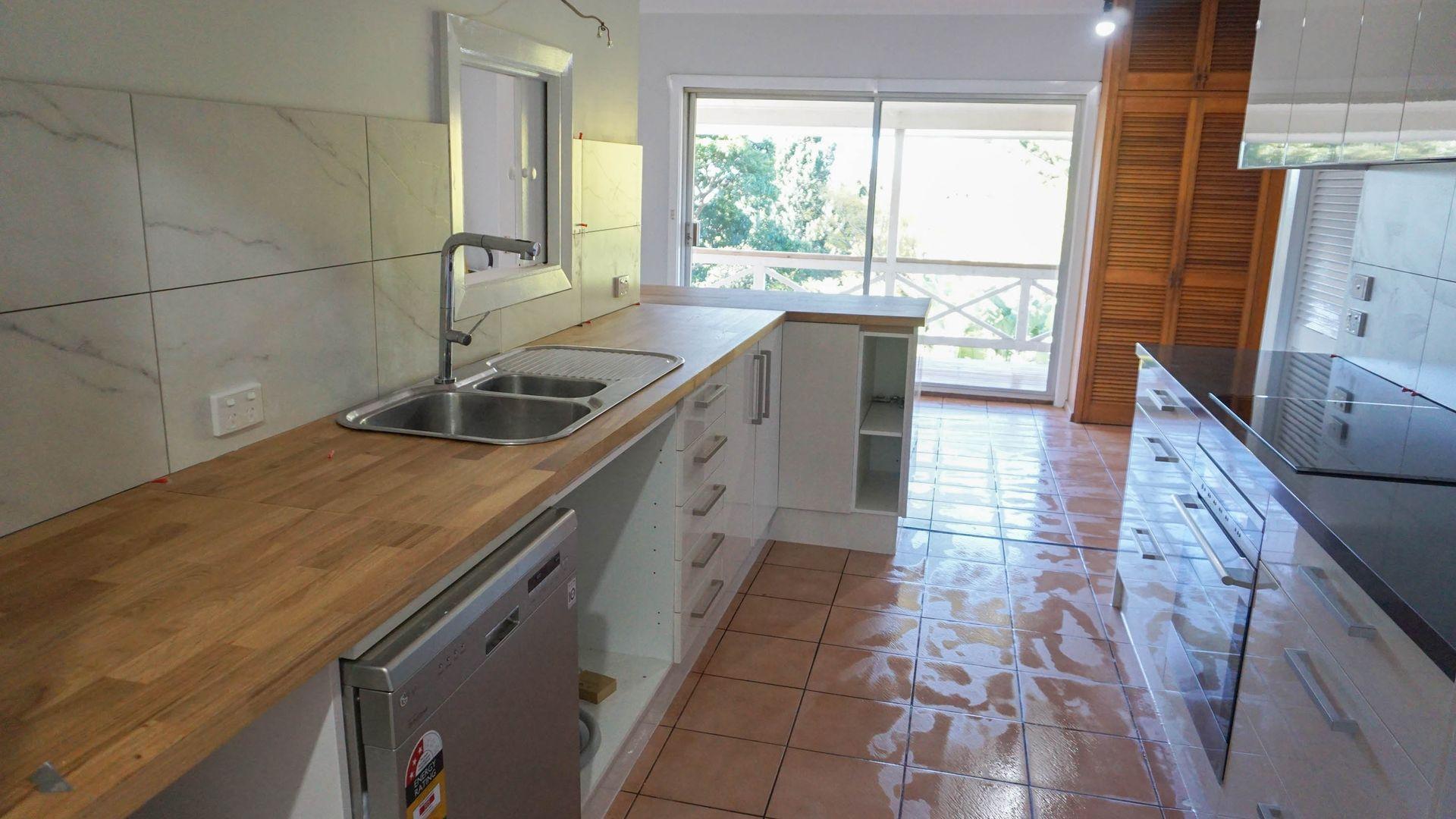 10 Dobinson  Street, Mount Pleasant NSW 2519, Image 2
